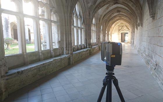 Scanner 3d dans le cloitre de l'Abbaye de Saint Wandrille