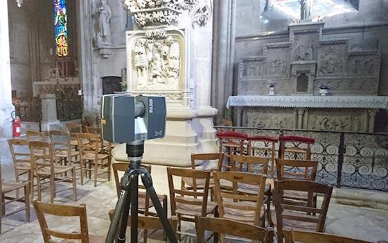 Scanner 3D devant l'autel de l'abbaye